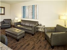 LivINN Hotel St. Paul - I-94 - East 3M Area Meetings - LivINN Hotel St. Paul Living Room